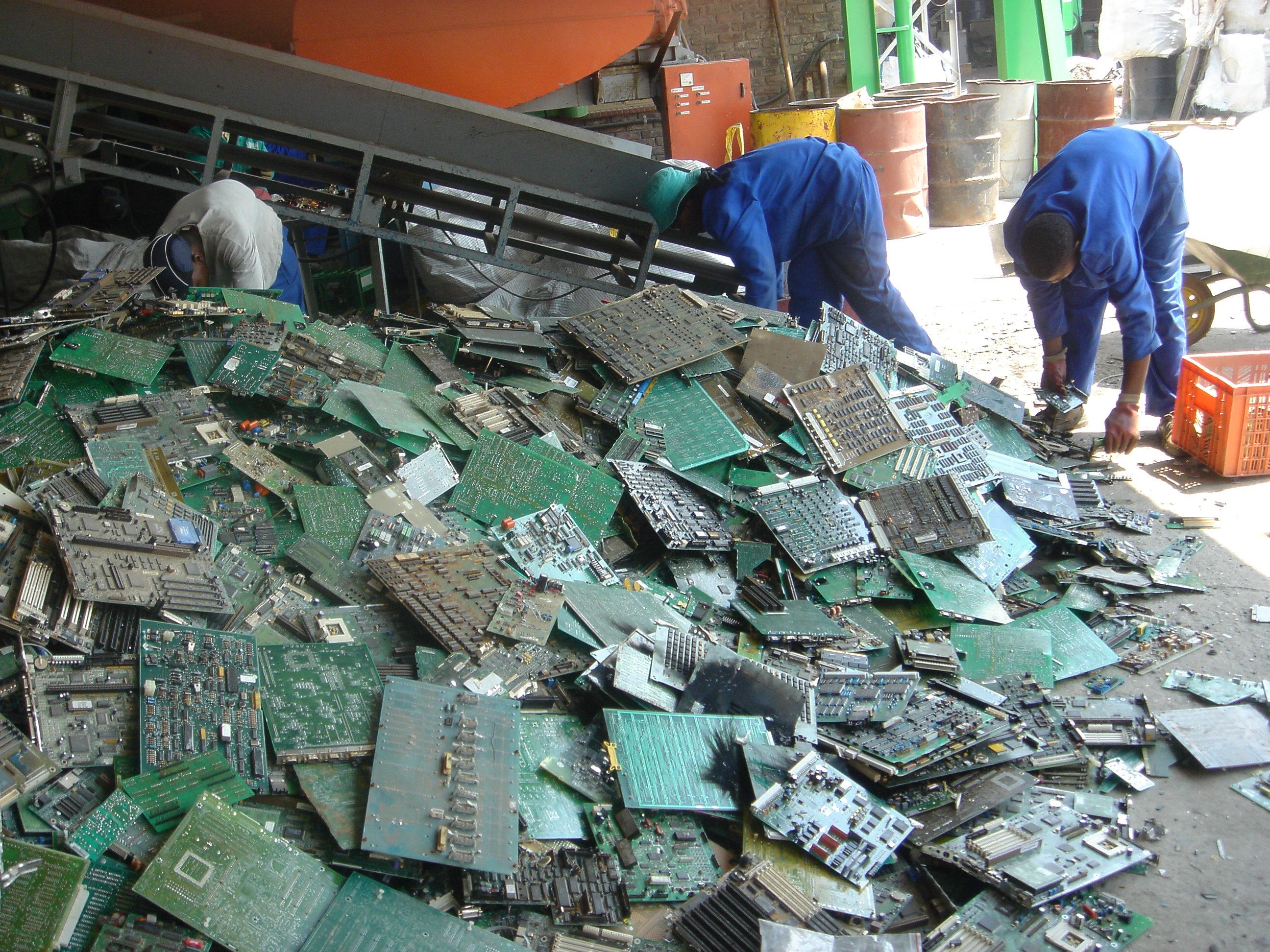 genius intello » e-waste definition